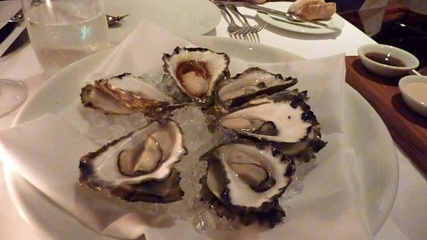 Half dozen natural oysters
