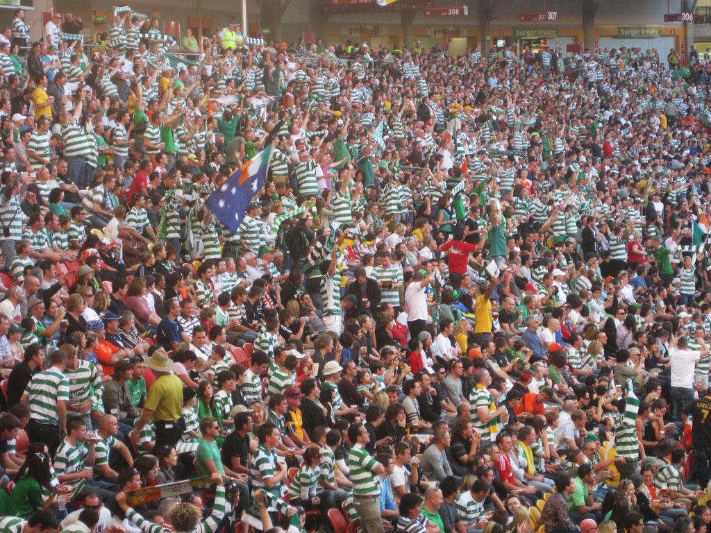 The crowd at Suncorp Stadium